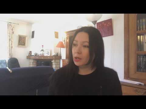 Insolite : Elle tricote plus vite que la lumière ! (vidéo)de YouTube · Durée:  1 minutes 49 secondes