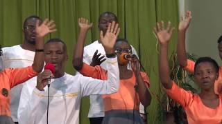 Umenitendea Makuu  // Angaza Choir