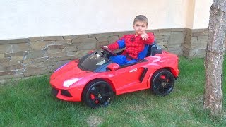 Red Car is broken Funny Paw Patrol Ride on POWER WHEEL Jeep to help Spiderman