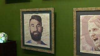 Песочные портреты иностранных футболистов выставили в Сочи