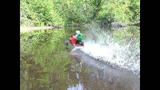 Rc snowmobile new bright 14,8v on water.