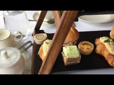 FOUR COURSE MEAL & FLYING HOME - VLOG   MARCH 22ND & 23RD, 2017   Athina Politis