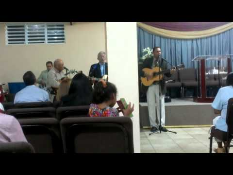 Merecedor de Alabanza , Pastor Gerardo Vázquez