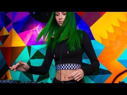 Miss Monique - Live @ Radio Intense 03.05.2018 // Progressive House, Techno Mix