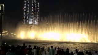 DUBAI MALL WATER FOUNTAIN SHOW - World's largest danci