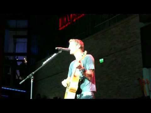 FUEL - Daniel cover - Live @ KC's Power and Light District 7/23/2010
