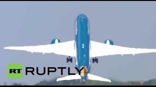 Forget Vertigo! Boeing 787 Dreamliner performs near-vertical takeoff at Paris Air Show