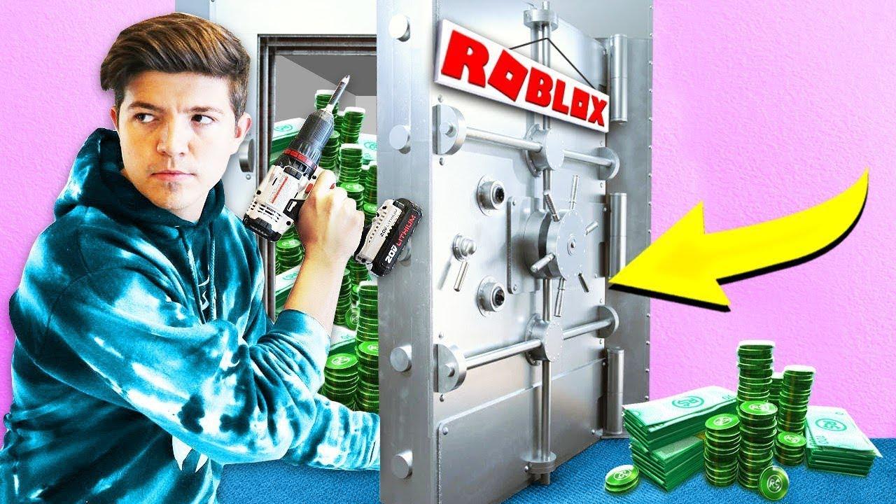 *BREAKING* INTO ROBLOX HQ! (Roblox Tour IRL)