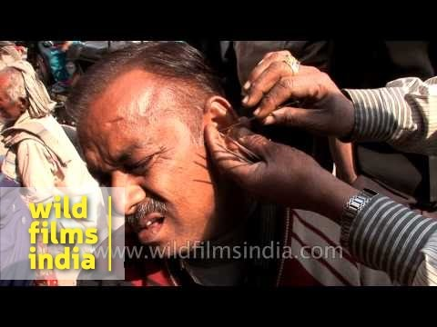 Roadside ear wax cleaning in India