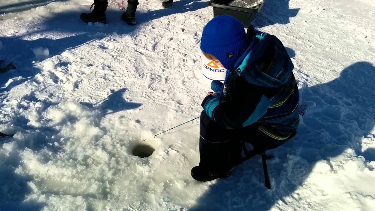 Ice fishing quebec city 15 feb 2016 youtube for Fishing in quebec