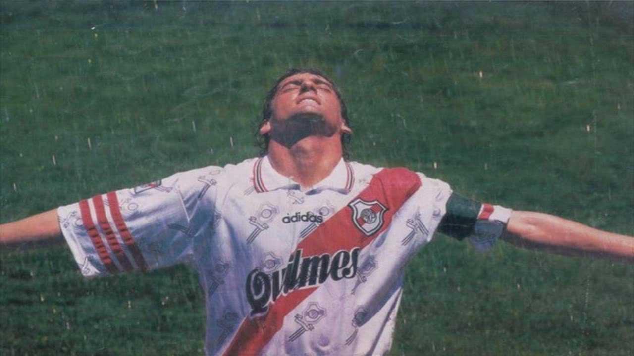 River Plate Chilena de Enzo Francescoli