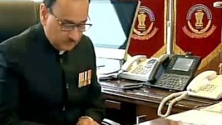 Alok Verma takes charge as new CBI chief