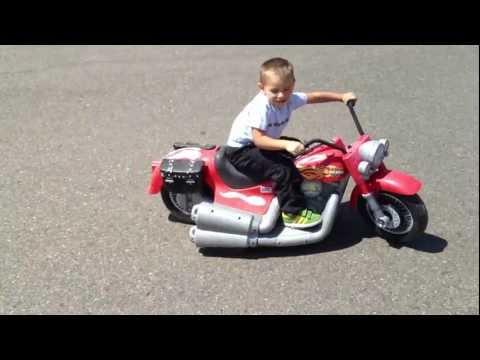 Modified 24v Power Wheels Harley Davidson - 4 Year Old Drifiting And Sliding, Motorcycle Donuts
