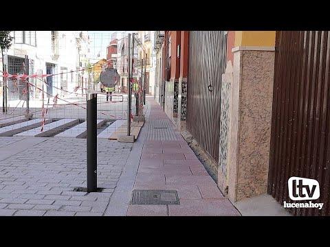 VÍDEO: El ayuntamiento levantará de nuevo el adoquinado de la calle Álamos para ampliar el tamaño de los acerados pese a entender que no hubo ningún error