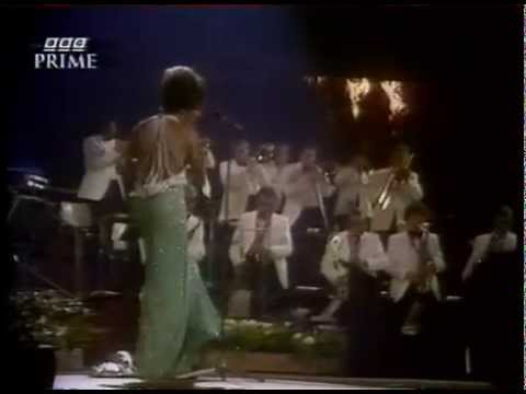 Shirley Bassey - I Am What I Am - Biography