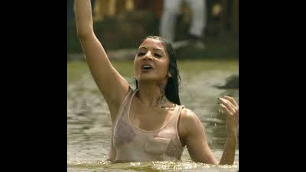 Anushka Sharma In Matru Ki Bijlee Ka Mandola - Youtube-7787