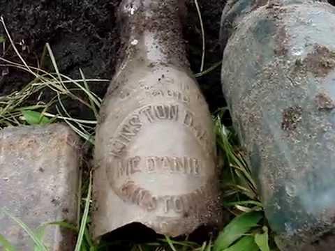 Antique Bottle Diggin in the Hood, N.C.