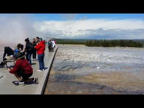 Excelsior Geyser & Grand Prismatic Spring (Midway Geyser Basin, Yellowstone National Park, WY)