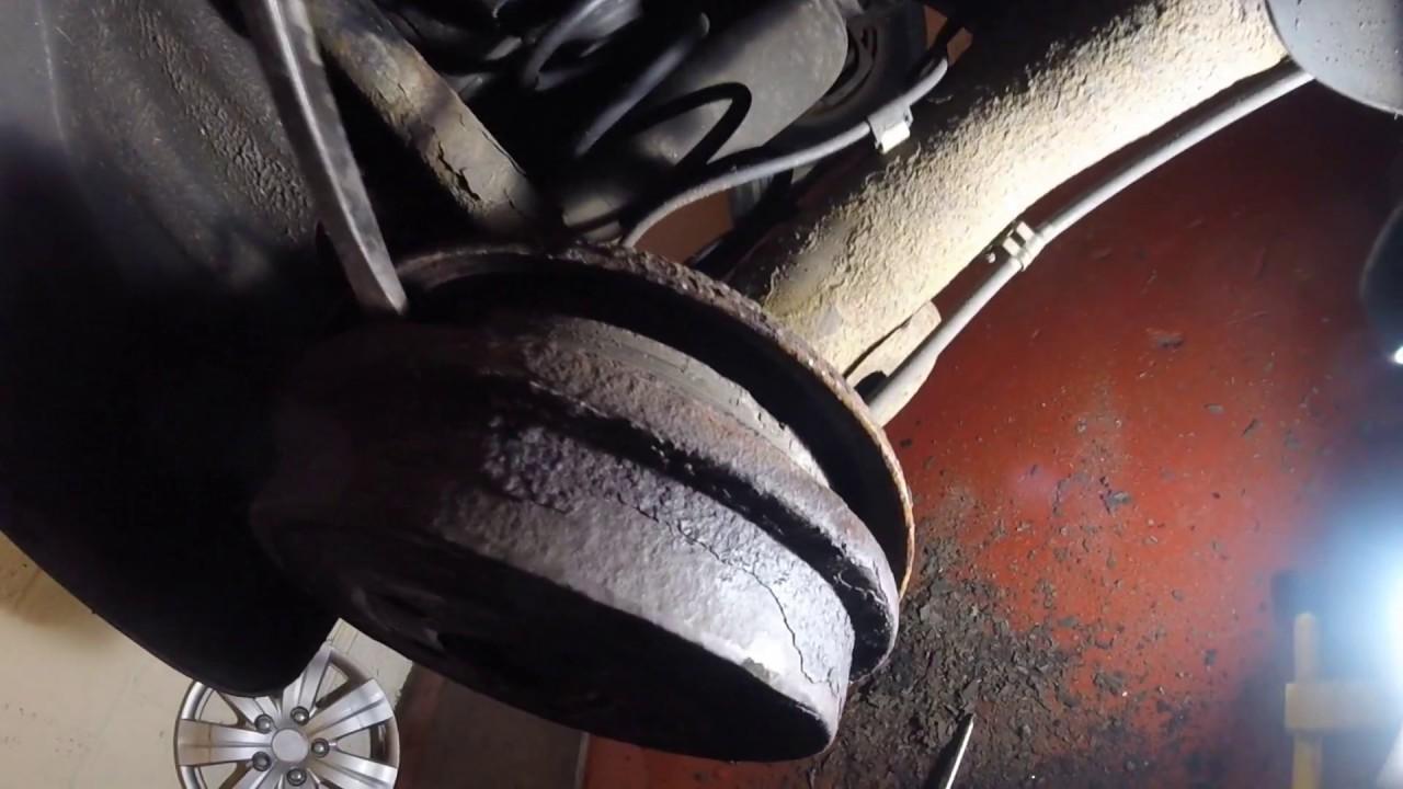 Replacing the rear brake pads. Замена задние тормозные колодки  Volkswagen Polo
