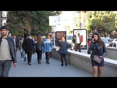 Yerevan, 18.10.17, We, Hartser, Eritasardakan metroi mot.