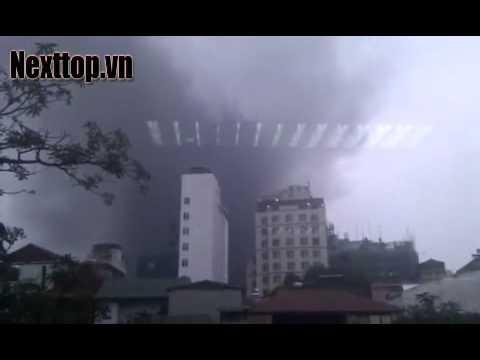 Cháy tòa nhà Electricity of Vietnam Tower [NEXTTOP.VN] .mp4