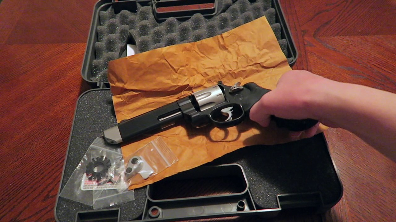 Smith And Wesson 12039 Unboxing: S&W 627 V-COMP Performance Center Unboxing