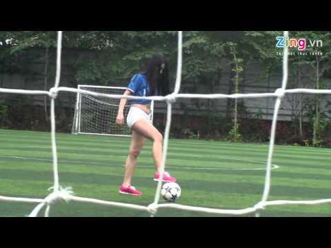Khi girl xinh yêu bóng đá