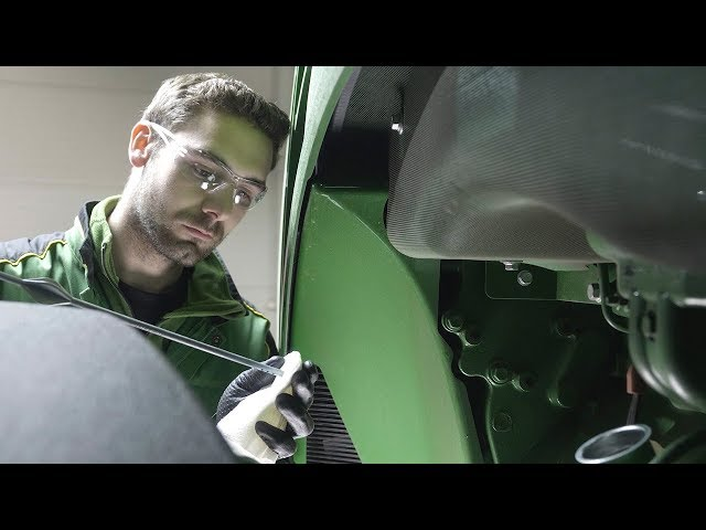 Porada Eksperta – Wymiana oleju w traktorze | John Deere
