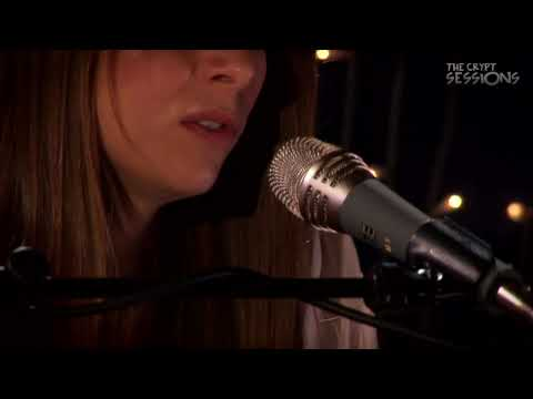 Sophie Madeleine - Wave Goodbye // The Crypt Sessions