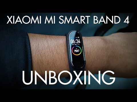 Xiaomi Mi Band 4 - Unboxing, Setup, and Initial Impressions