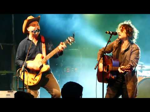 Mundy and Paddy Casey cover of Dylan's  Like a Rolling Stone.