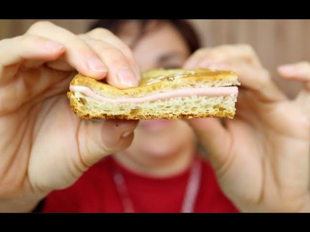 Ricetta Focaccia Genovese Benedetta.Focaccia Fatta In Casa Ricetta Semplice E Veloce Easy Focaccia Bread Recipe Youtube