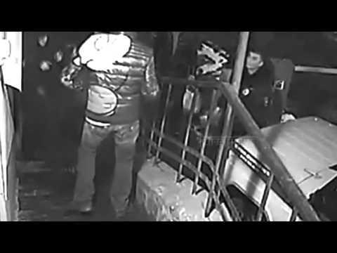 Нападение с ножом на полицию в России