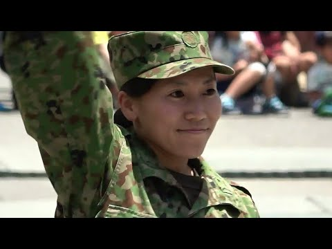 レンジャーショー① 女性自衛官による護身術 松山駐屯地 20180527