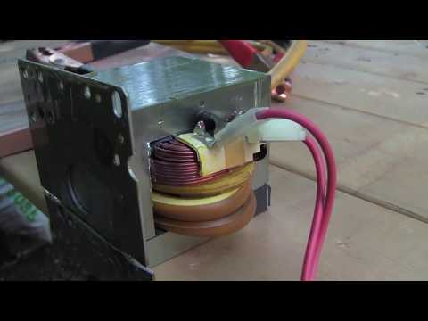 Modified microwave transformer for melting metal