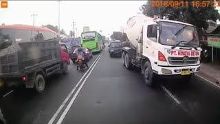 Bad Driving Indonesian Compilation #22 Dash Cam Owners Indonesia