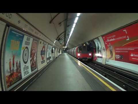 London Underground 1996 Stock 96003 and 96004 at St. John's Wood