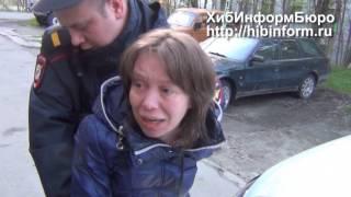 Пьяная мать с годовалым ребенком в Апатитах сопротивляется полиции