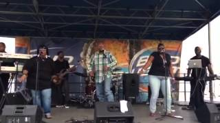 Pokey performs Mr Hit It and Quit It Live