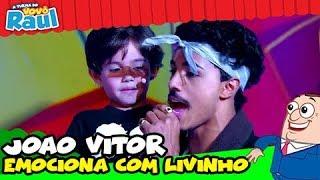 JOAO VITOR CHAVES CANTA &quotCHEIA DE MARRA&quot COM LIVINHO NO RAUL GIL