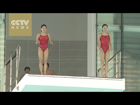 Watch: Chinese mainland's Olympic champion divers amaze Hong Kong residents