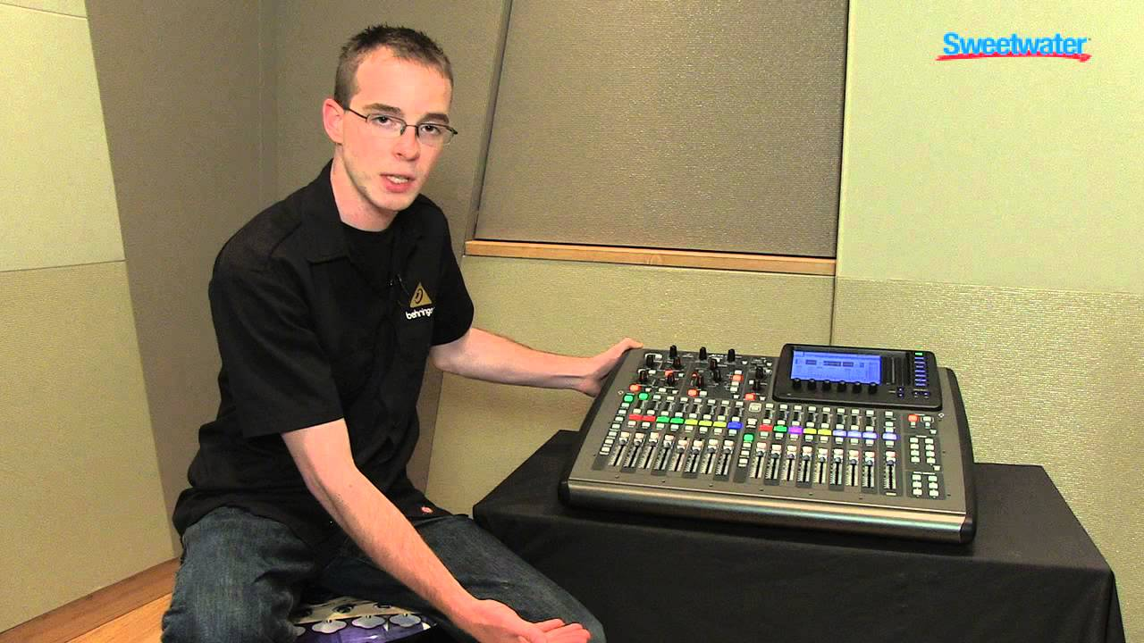 How does the Behringer X32 Compact differ from the X32