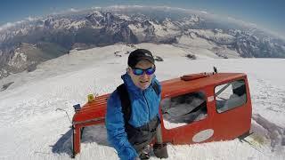 Эльбрус. Высота 4900м, старый ратрак