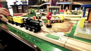 "Toys ""r"" Us City Central Imaginarium Train Table (2011 Holiday Commercial)"
