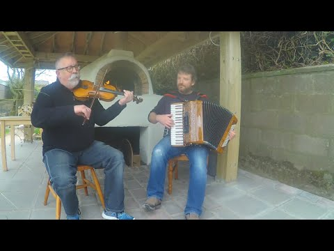Iron Broo Dark Island Pizza - Pizza sessions - Accordion / Fiddle Duo