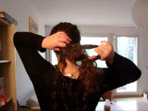 Chignon fouillis pour cheveux bouclés - YouTube