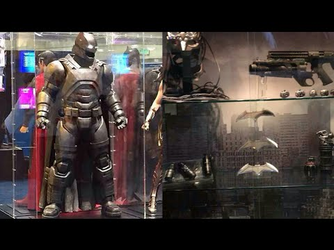 Closer Look at the Armored Batsuit and Gadgets from Batman ...