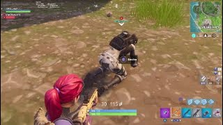 Fortnite thicc Arctic Assassin teammate gets knocked and i get the kill