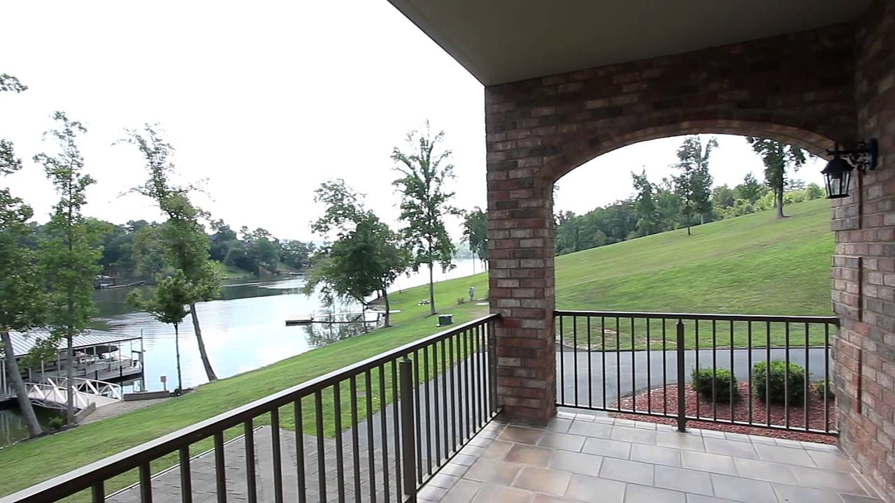 Lakeside Reserve Waterfront Condos