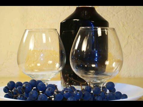 Настойка из винограда на водке.
